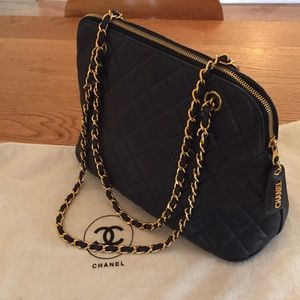 CHANEL Navy blue pebbled quilted leather bag bacc1c7d81